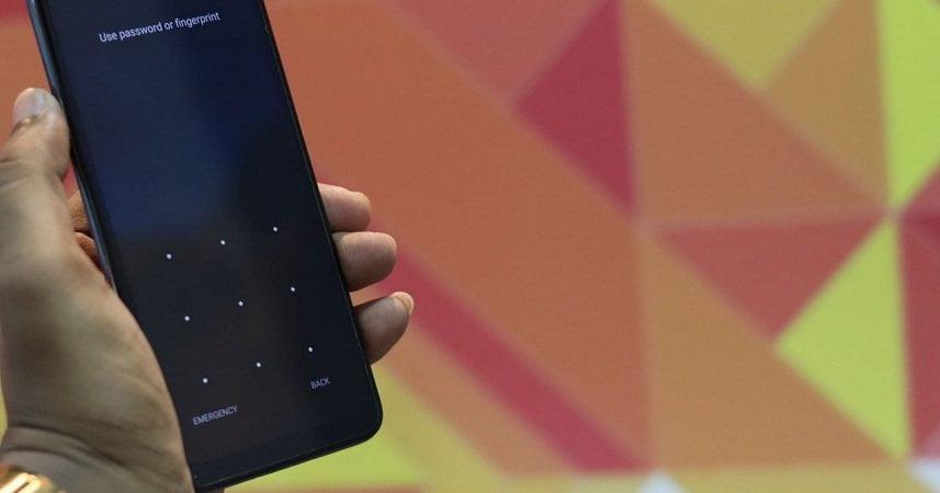 Odemkněte plakát se vzorem Motorola